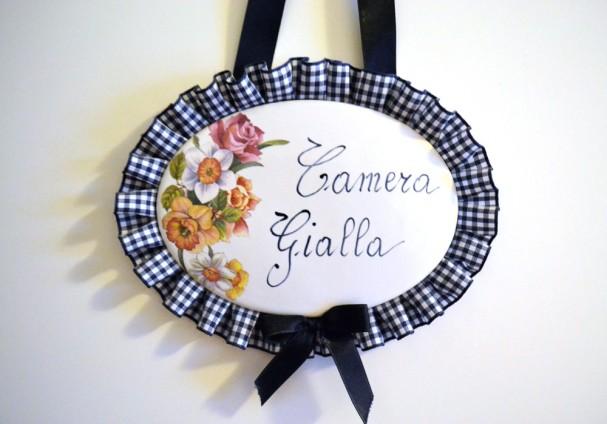 Camera-Gialla-1